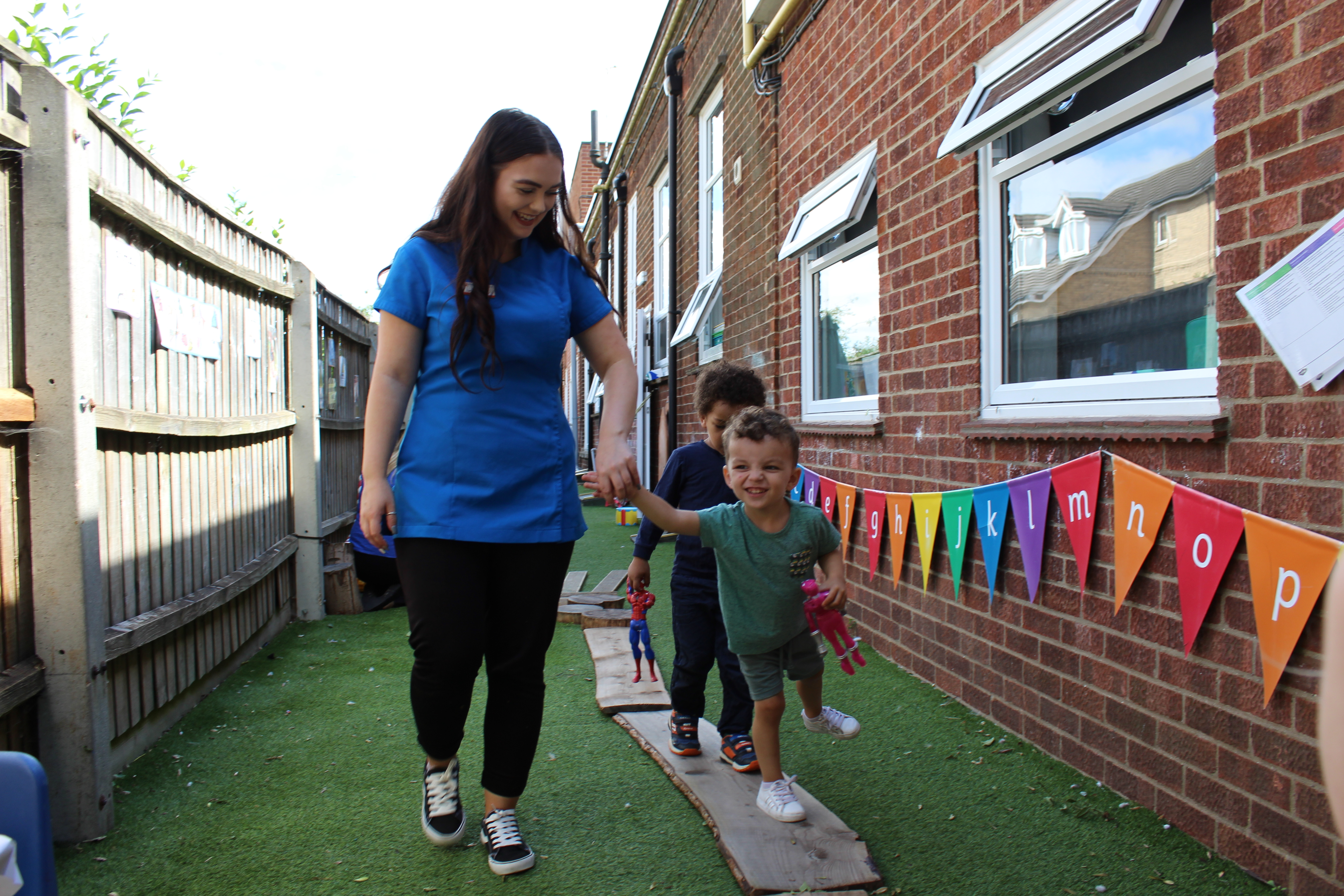 How your child benefits from playing outside at nursery